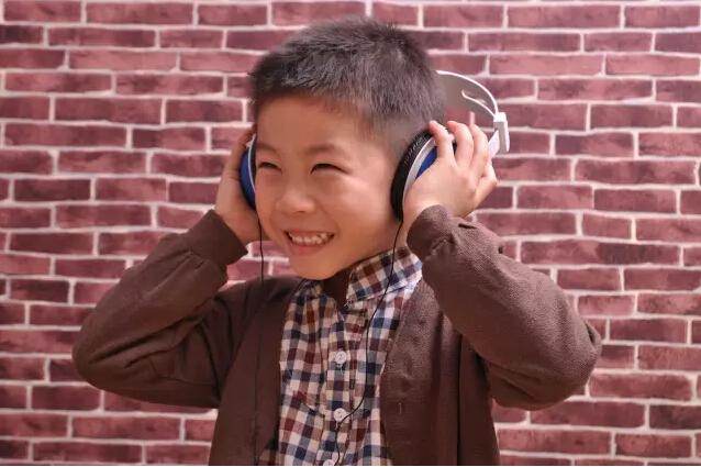 成都小歌手杨锦航
